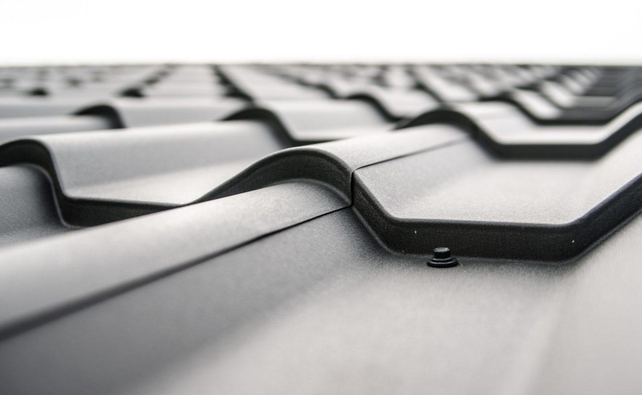 Dachziegel in schwarz